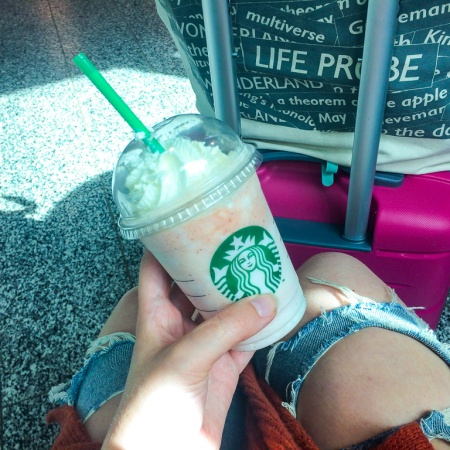 blogger drinking Starbucks